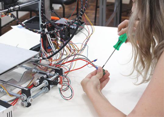 Cursos de Montagem e Operação de Impressora 3D